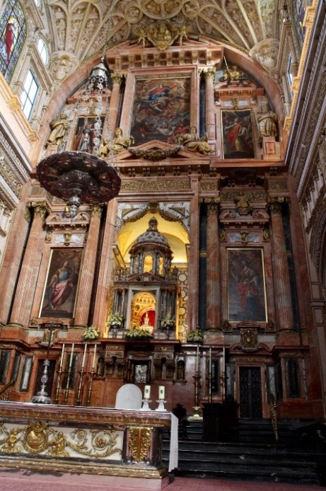 The High Altar (2 floors).